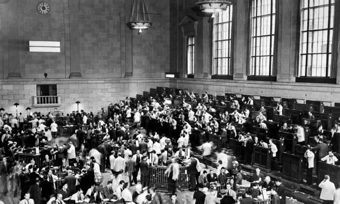 Economists Explain Economy Crashes Every 18 Years